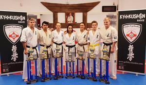 På bilden från vänster: Dennis Rundlöf, Lipo Lodin, Agnes Westrin, Samantha Karim, Amber Lindblom, Kevin Larsson, Jonas Rosin.