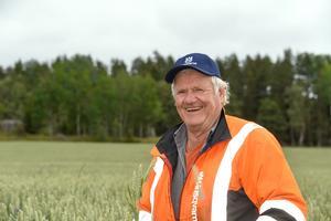 Jordbrukare styrs av många regler och betalar mycket pengar själva bland annat för strukturkalkningen, berättar Lars-Gunnar Dahlström i Trollsta i Sorunda.