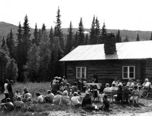 Fäbodgudstjänst vid Linds säter i Vållan, Jormvattnet 1976.