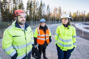 Eons Stefan Alexis och Azra Sapcanin, t h, tog en rundtur med miljökontorets Johanna Elfving på torsdagen.