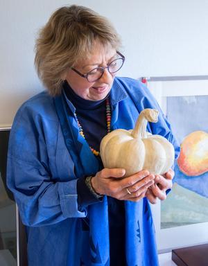 """""""Jag blir inspirerad av naturen, särskilt av frön och frukter i vackra former"""" säger Viveca Py Maase."""