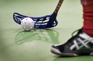 Ju fler som idrottar, desto bättre för folkhälsan och den sociala gemenskapen, skriver debattförfattarna.