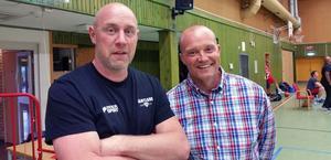 De båda coacherna Ingemar Nord och Fredrik Åhnstrand är båda före detta ligaspelare i Jämtland respektive Sundsvall. Foto: Monica Sandström