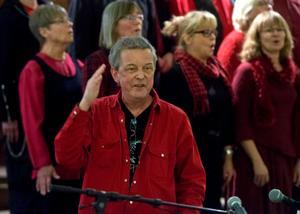 Örjan Lidén och hans kör Mousiké ger julkonsert 2013.