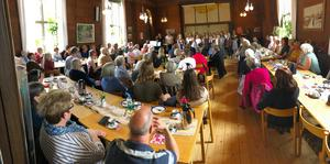 Fullsatt Strömsbro församlingshus när ungdomskören Vox Novum höll ett musikcafé 12/5 2019. Var tycker kyrkorådet att den typen av verksamhet ska ta vägen? I kyrkan kommer utrymme för samvaro runt kaffeborden inte att få plats, skriver Ellen Weiss.