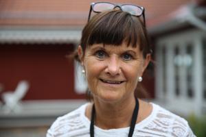 Riitta Pettersson, projektledare på Trafikverket, informerade boende i Gustafs om myndighetens planer.