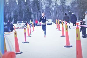 Årets vinnaren Melker Forsberg för KFUM sprang in på tiden 38.51.