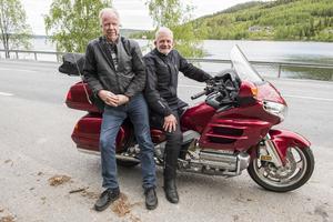 Göran Nilsson (till höger) ger sig ut på sin 32:a semestertripp i Europa. För Åke Sjölund blir det 23:e resan.