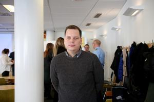 Karl Nässén är hållbarhetsstrateg på Gävle kommun och pratade om tryggheten i Gävle under mötet.