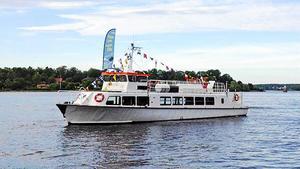 Strömmas Aphrodite IV har tagit många passagerare till Birka från Södertälje i sommar – som det ser ut nu, får hon fortsätta med det också nästa sommar.