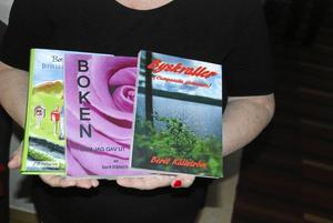 De tre romanerna som Berit hittills gett ut.
