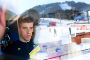 Calle Halfvarsson under en presskonferens i Pyeongchang. Bild: Carl Sandin/Bildbyrån.