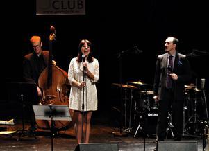 Charmigt och okonstlat visade Vivian Buczek upp sig med en hypergenuin jazzrepertoar.