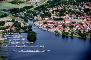 Under perioden 1 januari 2018 till 5 december 2019 har Askersunds kommun betalat nära 1,8 miljoner kronor exklusive PO- påslag för att köpa ut 7 medarbetare.