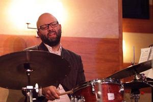 Ali Djeridi kommer med sitt band till Borlänge jazzklubb. Foto: Pressbild