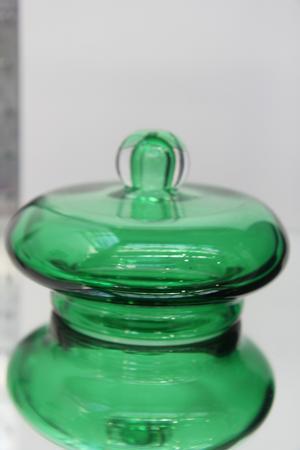Det gröna locket i ett stycke var det första lock Jonas Ioannou gjorde, det lyckades på första försöket.