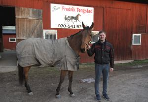 Jackpot Band är en av stallets främsta hästar och för en dryg månad sedan tog han sin första seger på V75.
