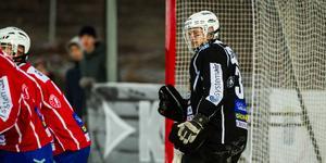 Adam Johansson ska fortsätta iklä sig Västanfors tröja.