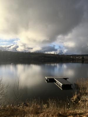 Gamla simbadet i Västanfors. Passerar ofta detta fina ställe på mina promenader. Vackert alla årstider. Foto: Birgitta Åkerlind