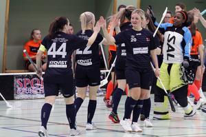 Lagkaptenen Miriam Maul gjorde Härnösands första mål.
