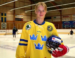 Som 16-åring gjorde Elias Pettersson landslagsdebut, när han fick chansen i U17-landslaget. Foto: Katarina Wikström.