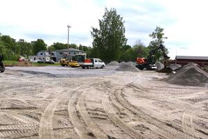 På området har en hel del arsenikförorenad jord hittats och körts bort. Sargen som stod på rinkenområdet har