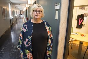 Ann-Louise Molin Östling (S), ordförande i individ- och familjenämnden, känner en frustration över att inte veta hur man ska bromsa utvecklingen kring barn och ungdomars dåliga mående.