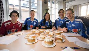 Adam Grudén, 14 år, Agnes Eriksson, 21 år, Loretta Man, 31 år, Billy Nilsson, 23 år och Jesper Lundgren 24 år.