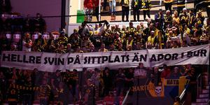 Skellefteåfansens protest mot bortaplatssektionen i NHK arena. Bild: Pär Olert/Bildbyrån