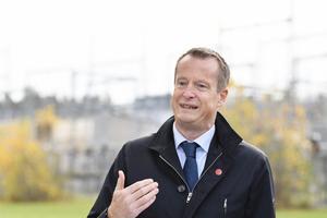Digitaliseringsminister Anders Ygeman (S) behöver gå på offensiven på riktigt.