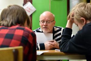 Björn Rehnström berättar att det är stimulerande att arbeta med kloka ungdomar.