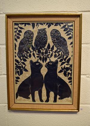 """""""Katter och ugglor"""" – pappersklipp är något som Karin Ferner inte ställt ut tidigare."""