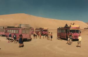 Under åtta veckor besökte bussresenärerna åtta afrikanska länder.