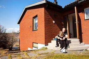 Huset på Alnö är stort och rymligt för familjen på fyra.