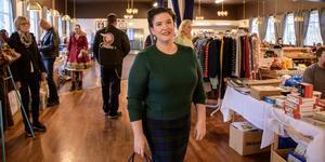 Monica Burgtorf  Tröjan och kjolen är nyreproduktion men föreställer tidigt 50-tal. Håret är en 40-tals uppsättning.