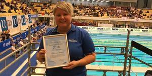 Maria Öman prisades under helgen med simförbundets tränar-ledarstipendium.