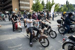 Mopedcruisingen har blivit en succé och i år hoppas de på över 200 ekipage. Arkivfoto: Robbin Norgren