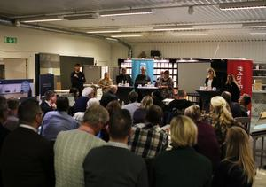 Många lokala företagare hade sökt sig till Colorama i Lunde för att ta del av debatten.