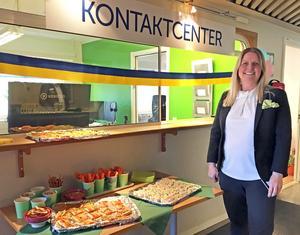 Malin Gillfjärd öppnade kommunens nya kontaktcenter i Ösmo.