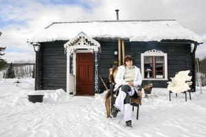 Camilla Strid driver en liten gårdsbutik på gården utanför Mörsil.