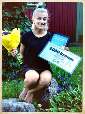 Molly Sjöquist fick 5 000 kronor i stipendium.