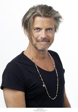 Jakob Stadell tar över rollen som Lustigs Per i Skinnarspelet.
