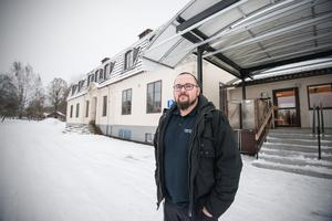 Att bygga upp huset till dess ursprungliga form kommer att bli svårt, för att inte säga närmast omöjligt. Det menar Fredrik Rooslien som är byggnadsinspektör på miljö- och byggnadsförvaltningen.