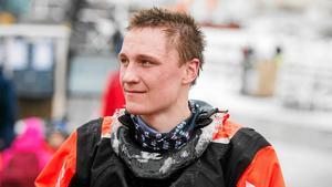 Lofsdalens och Härjedalens bästa crossförare just nu är John Stenberg. Han siktar på totalseger – i så fall den första i karriären.