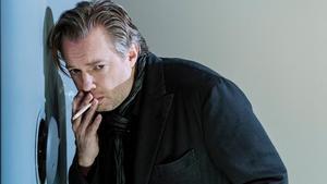 Fredrik Evers gör huvudrollen som den misantropiske professorn i litteraturvetenskap. Pressbild: Ola Kjelbye