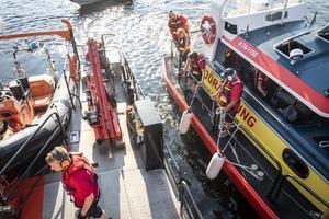 Sjöräddningen övar tillsammans med den finska sjöräddningsbåten Jenny Wihuri och dess besättning.