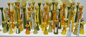 Träljusstakar i retrostil från svenska Freemover har funnits i några år nu. Färgerna blir bara fler.