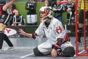 Amanda Hill teamar upp med Täbymålvakten i VM – som var med och slog Kais Mora i vårens SM-final.