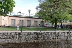 Museet har förvarat föremål i källaren, som är belägen lägre än Svartåns yta. En läcka kunde ha fått svåra följder.