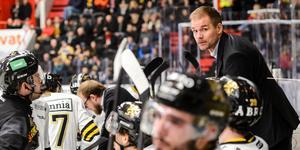 Tomas Mitell förväntar sig en tuff bortamatch mot Tingsryd. AIK har vunnit alla tre tidigare möten med smålänningarna, 3–1, 3–1 och 4–2.  Foto: Simon Hastegård/Bildbyrån